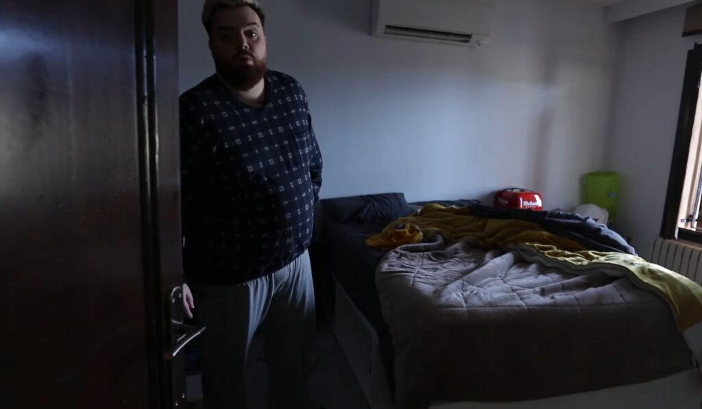 La habitacion de Barbeq de la nueva mansión de Ibai