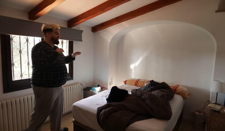 La habitación de Reven de la nueva mansión de Ibai