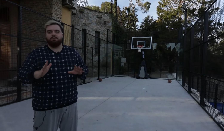 La pista de baloncesto de la nueva mansión de Ibai